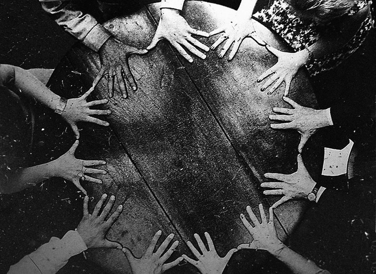 seance-hands11-1200x875.jpg